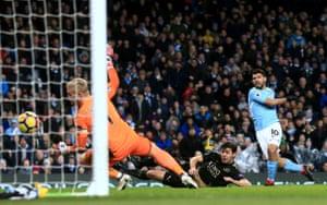 Sergio Aguero scores his second goal of four as Manchester City smash Leicester 5-1 at the Etihad.