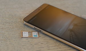 The Mate 9 can take two sims at the same time for two numbers and plans connected to one smartphone, or the second sim slot can be used with a microSD card for adding more storage.