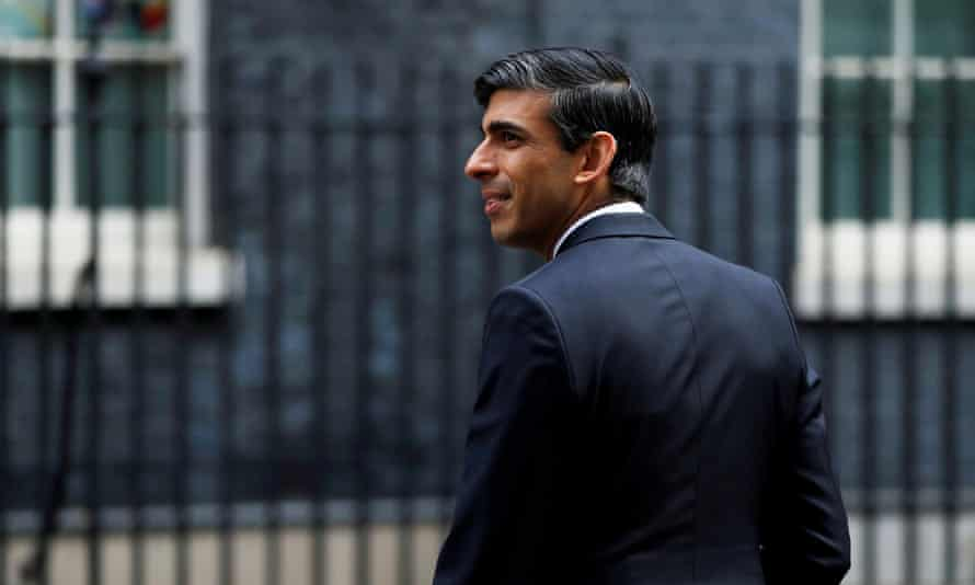 Rishi Sunak seen in profile on Downing Street