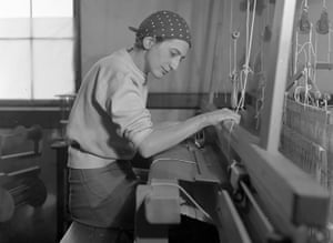 Albers in 1937 in her weaving studio at Black Mountain College in North Carolina.