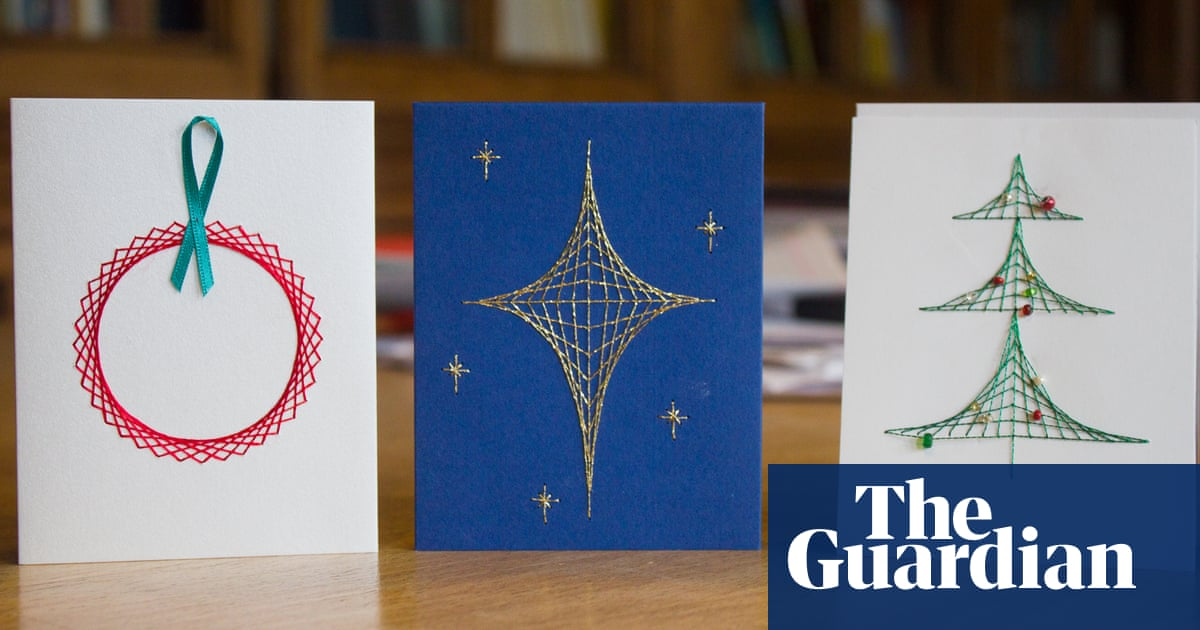 Solving for Xmas: how to make mathematical Christmas cards