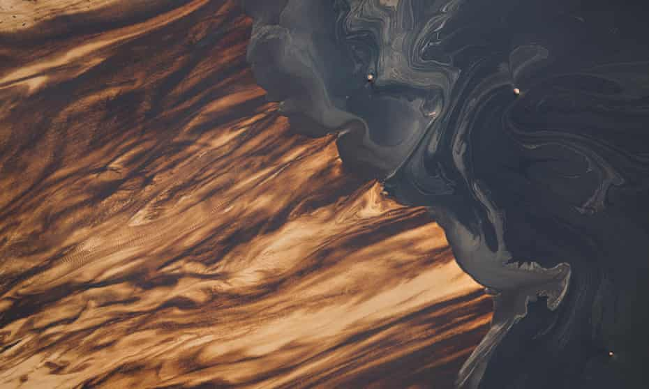 Suncor mine and tailings ponds near Fort McKay, Canada
