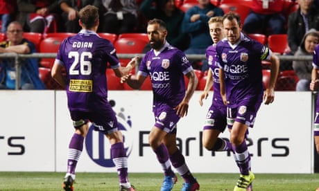 A-League: Adelaide and Perth draw after controversial Castro penalty