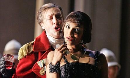 Sarah Connolly and Danielle de Niese in Giulio Cesare (2005).