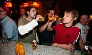 Men drinking bar