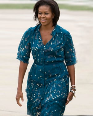 Michelle Obama arrives at the airport in Pittsburgh, Pennsylvania for the G20 Pittsburgh summit.