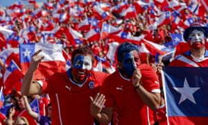 A sea of Chilean support.