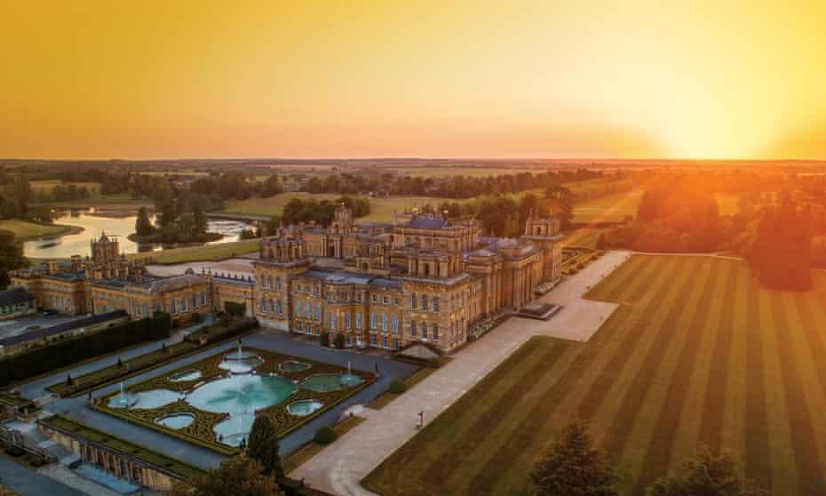 Autumn sunshine over Blenheim Palace