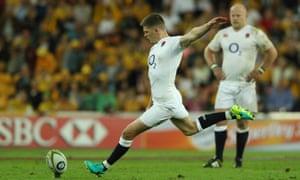 England's Owen Farrell kicks a penalty against Australia