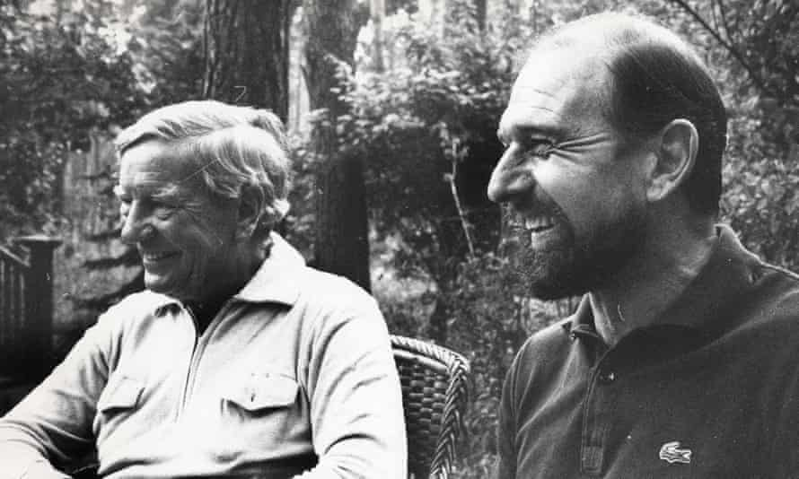 Blake, right, pictured in Moscow with the fellow double agent Kim Philby.