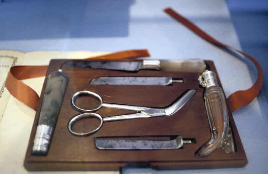 Circumcision set.