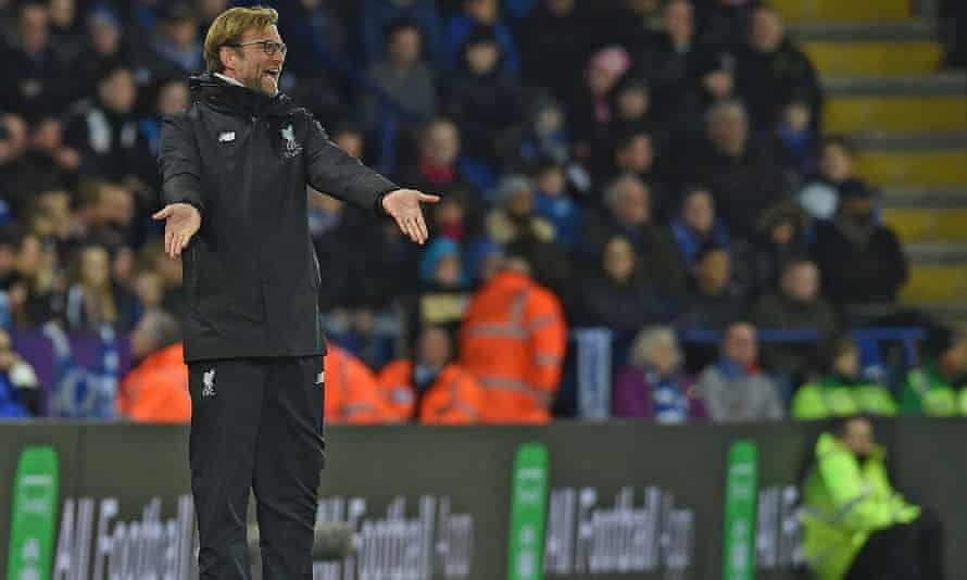 Jürgen Klopp shows his frustration during Liverpool's 3-1 defeat at Leicester
