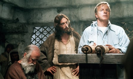 Robert Powell, centre, and Franco Zeffirelli during the filming of Jesus of Nazareth.