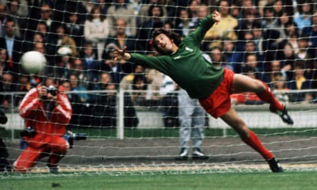 Ray Clemence: former Liverpool, Spurs and England goalkeeping great dies  – video obituary
