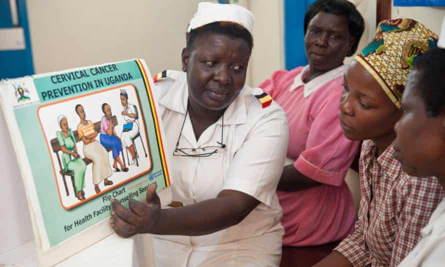 Nurse Helen Angula counsels patients ahead of a cervical cancer screening at Mbale Regional Referral Hospital in Mbale, eastern Uganda. Uganda Women's Health Initiative. January, 2011.