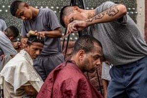 Inmates provide haircuts at the Penal San Francisco Gótera