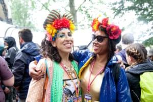 Festivalgoers at the Glade, Glastonbury 2016.