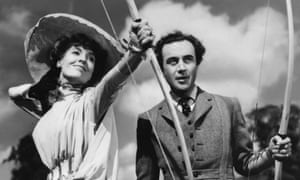Valerie Hobson and Dennis Price in Kind Hearts and Coronets.