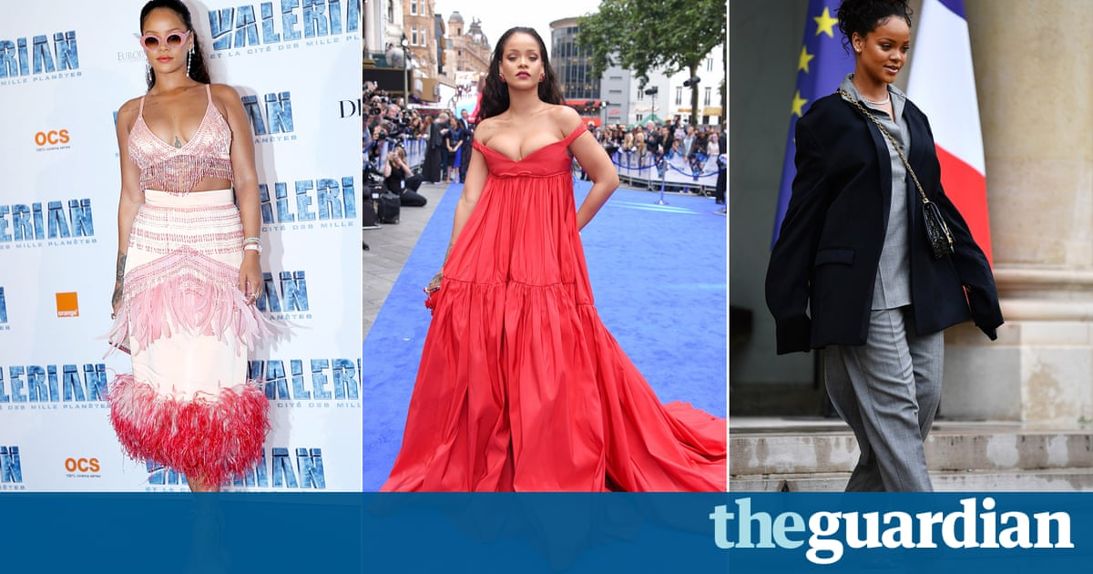 7e48cbbb6f93 Rihanna is used to breaking the fashion corner of the internet by now.  There was her Met Ball dress in 2015