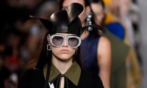 A model in a jester-style Loewe hat