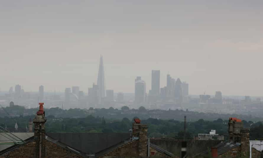 Fresh air is hard to find: central London seen from Greenwich Park on a badly smoggy day.