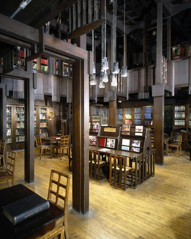 Glasgow School of Art: the Library, 1907-1909. Architect: Charles Rennie Mackintosh.