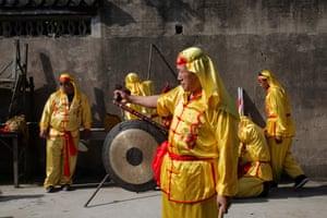 Procession, Jinze Town (2016)