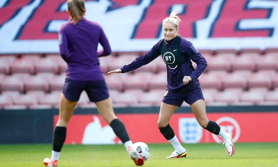 Steph Houghton in training with England