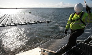 World S Biggest Floating Solar Farm Powers Up Outside