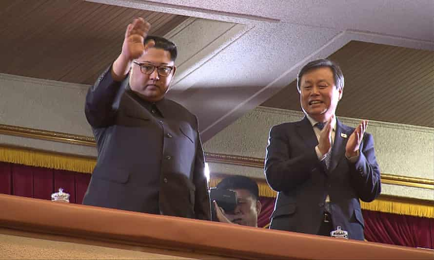 Kim Jong-un and Do Jong-whan at the concert