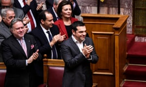 Alexis Tsipras clapping in parliament