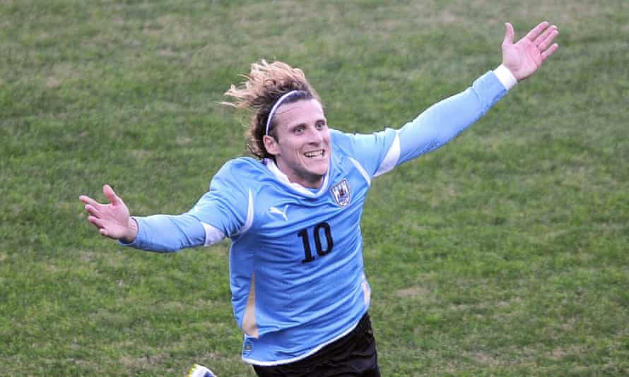 Diego Forlán celebrates after scoring in the final of the 2011 Copa América, which Uruguay won.
