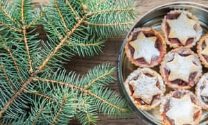 You can use the needles of a Christmas tree to perfume sugar to put on the top of mince pies.
