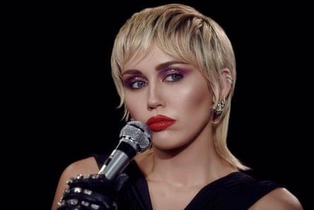 Un album moins intéressant que l'artiste qui l'a réalisé ... Miley Cyrus.
