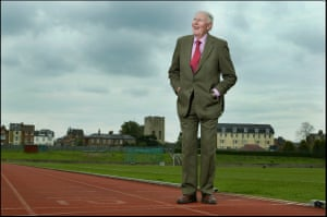 21 April 2004Bannister visits the track at Iffley Road Stadium where it all started 50 yeas ago.