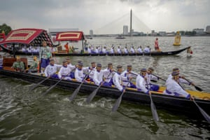 Bangkok, Thailand: Oarsmen take part in a rehearsal for the King Maha Vajiralongkorn royal barge procession