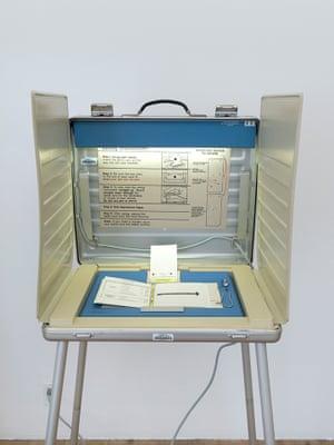 Voting Machine, 2000.