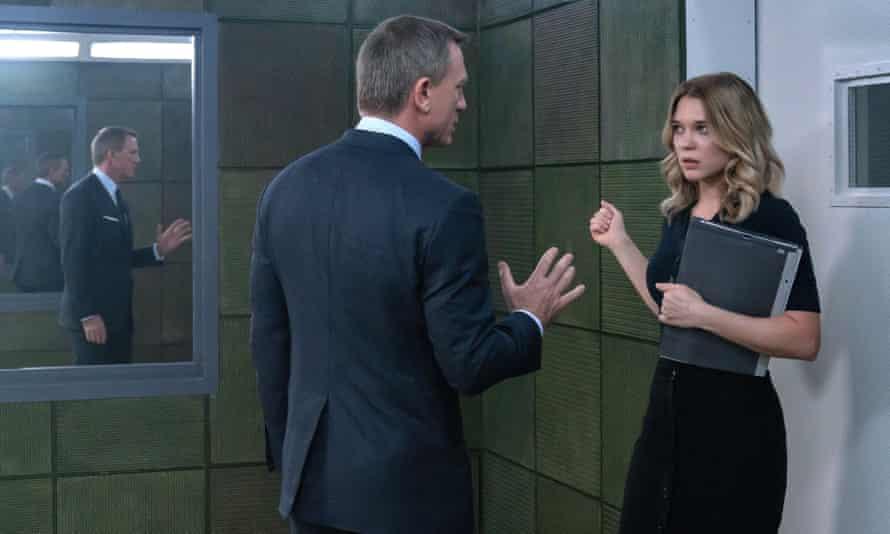 Teething troubles? ... Daniel Craig, left, as 007 with love interest Madeleine Swann (Léa Seydoux)