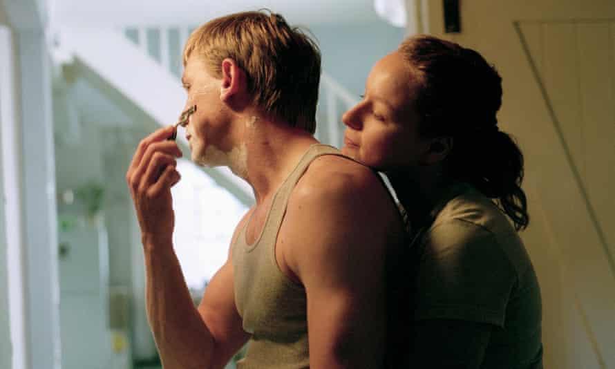 Daniel Craig with Samantha Morton in Enduring Love (2004)