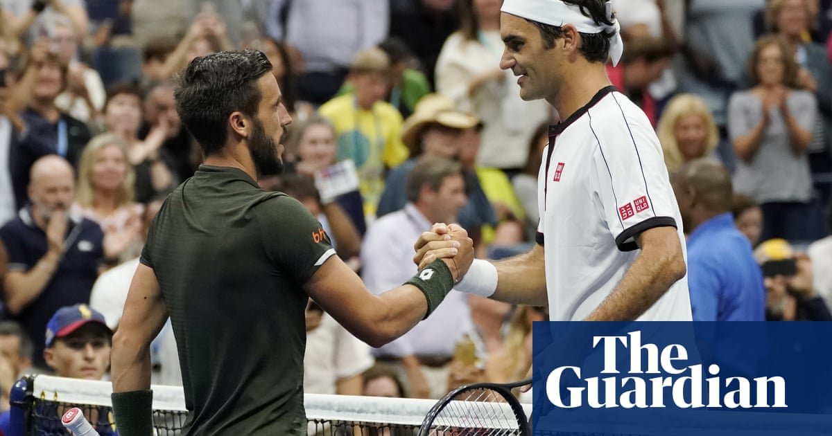 Roger Federer fights past chuntering Damir Dzumhur in the US Open