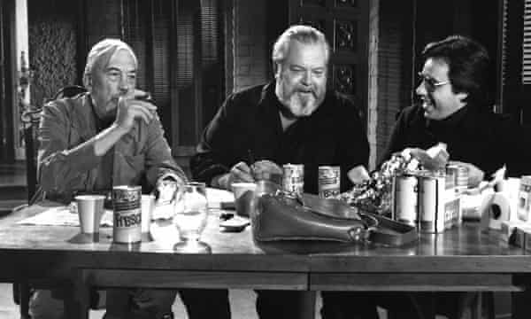 John Huston, Orson Welles and Peter Bogdanovich in The Other Side of the Wind