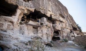 Cave dwellings in Hasankeyf