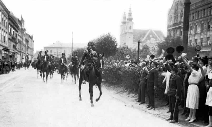 A 1921 protest against the Trianon treaty