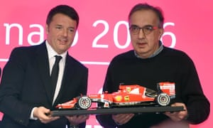 Sergio Marchionne with the Italian prime minister Matteo Renzi in January 2016 as the carmaker made its Milan stock market debut