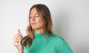 Morwenna Ferrier eating the ruby KitKat