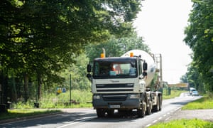 A Hanson Cement Mixer on the A413, where locals in Wendover are very concerned about the increase of vehicles delivering to HS2 sites in the area.