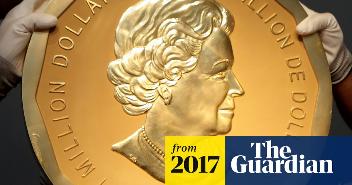 Giant gold coin with Queen's head stolen from Berlin museum