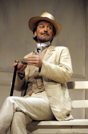 Ronald Pickup as Gayev in the 1989 Aldwych production.