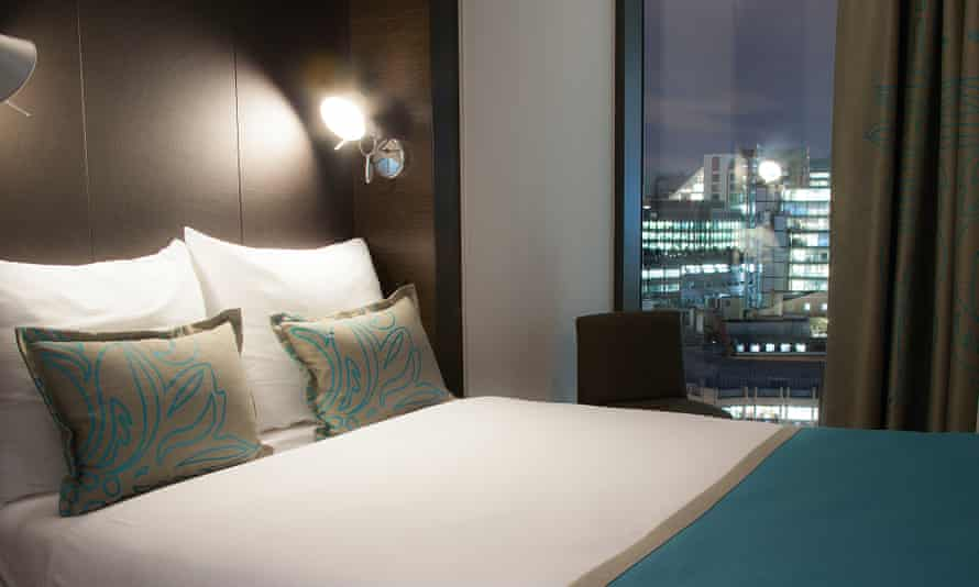 A bedroom at Motel One, Tower Hill.