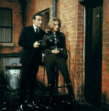 Honor Blackman as Cathy Gale with Patrick Macnee as John Steed in The Avengers in 1963.